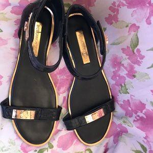Super cute bcbgmaxazria sandals